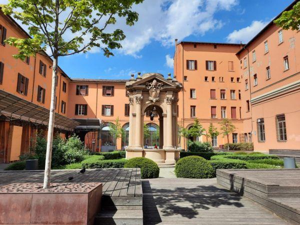 Passeggiata per Bologna col Prof. Cossu